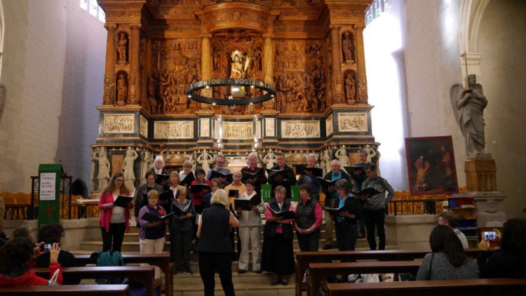 Singing in the church at Valls in Spain
